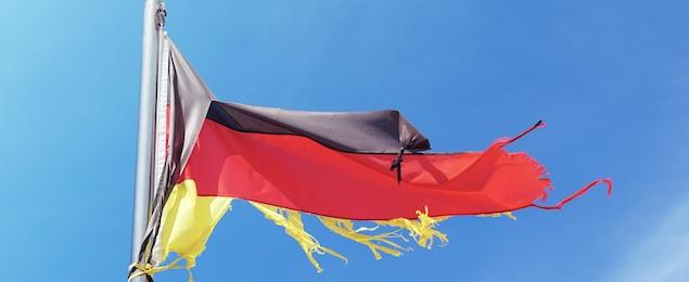 Zerfetzte Deutschlandfahne (Foto: pixabay.com)