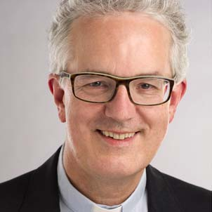 Dr. Christian Hennecke –