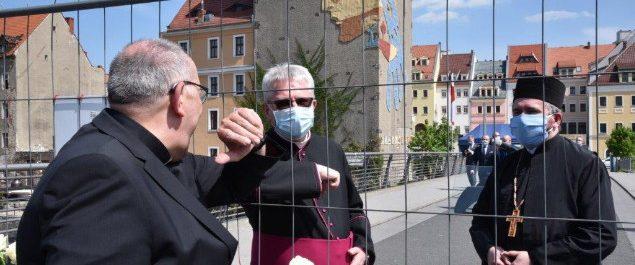 Bischof Ipolt an der polnischen Grenzen zum Gedanken an 75 Jahre Ende des Krieges