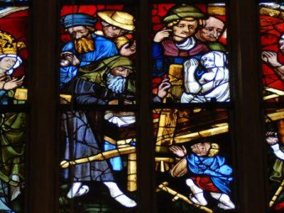 Fenster im Erfurter Dom: Findung des Kreuzes in Jerusalem